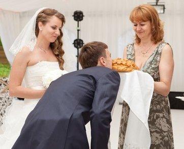 Топ-14: чем заменить свадебный каравай