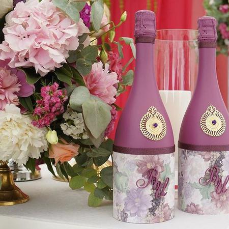 Как украсить бутылки шампанского на свадьбу своими руками