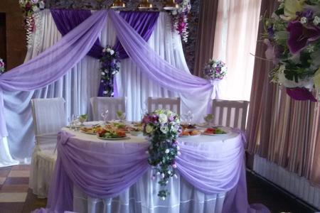 Оформление шарами, цветами и тканями